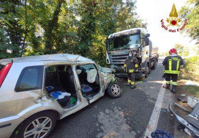 Incidente fra autocisterna e automobile nel Bolognese